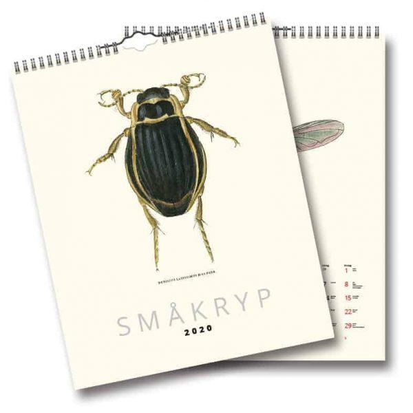 äggkalender Småkryp 2020 är en häftig och vacker väggalmanacka med illustrerade skalbaggar och insekter. Illustrationerna är gjorda av George Wolfgang Franz Panzers på 1700-talet. Väggalmanacka Småkryp 2020 är inte bara för inbitna entomologer och botanister utan fungerar även utmärkt som en fräck inredningsdetalj i ett modernt hem.Kalenderspecialisten