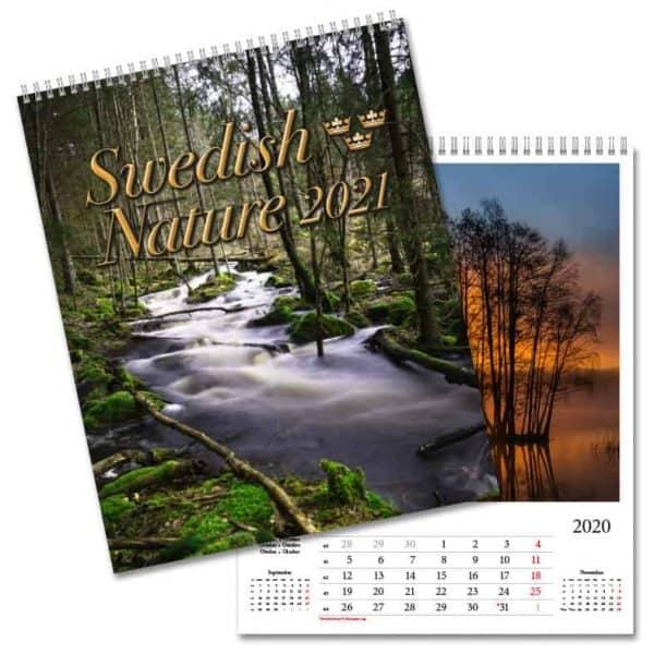 Väggkalender Swedish Nature 2021 är en vacker väggalmanacka med svenska naturbilder från Kalenderspecialisten