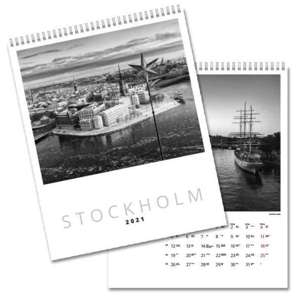 Väggkalender DC Stockholm 2021 är en påkostad och sober väggalmanacka med utsökta svartvita foton av Stockholmsfotografen Ola Ericson. Kalenderspecialisten