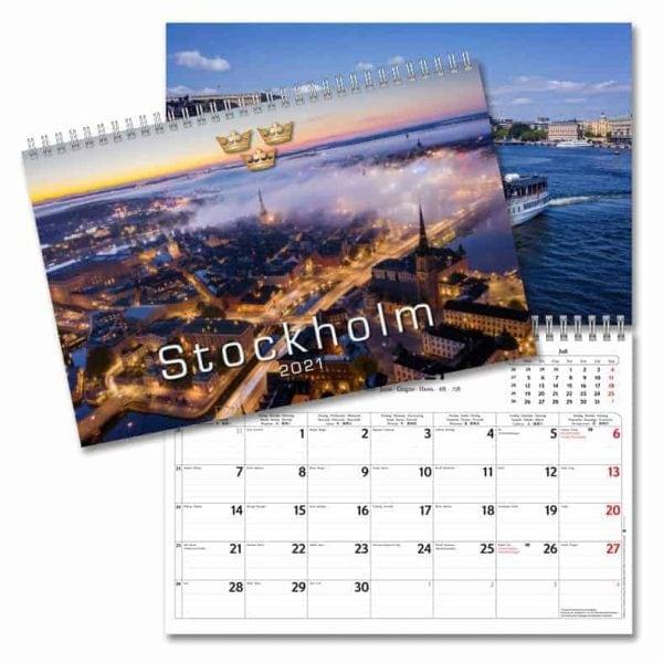 Väggkalender Stockholm 2021 med bilder från Sveriges huvudstad. Kalenderspecialisten