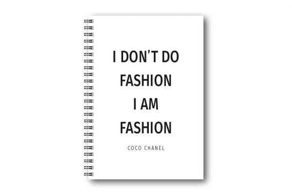 Skrivbok Citat Coco Chanel hos Kalenderspecialisten