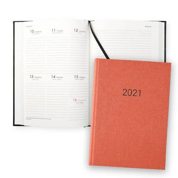 Almanacka 2021 Paperstyle Classic Orange hos Kalenderspecialisten
